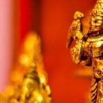 budist idol statues